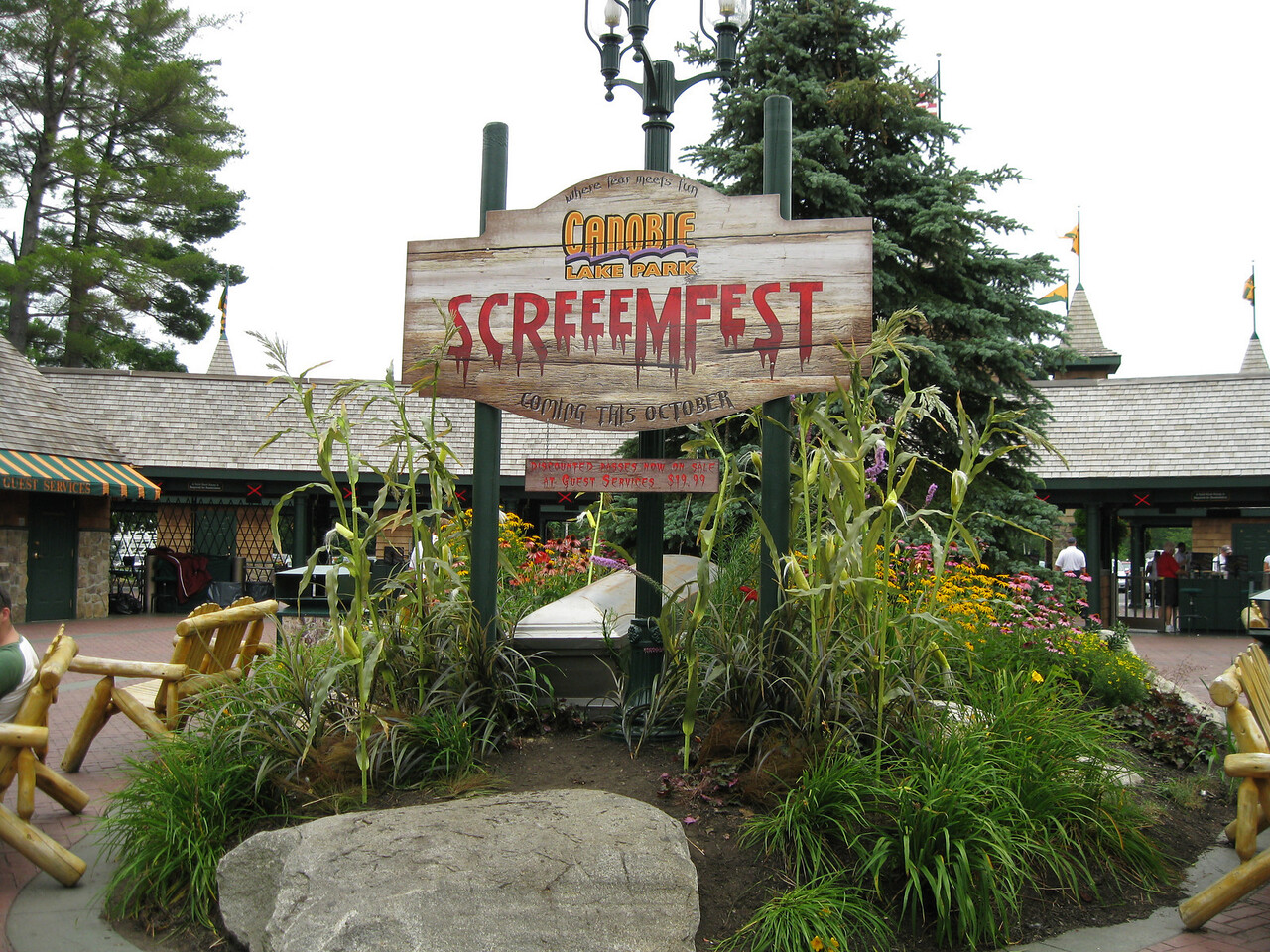 A coffin was added to the ScreeemFest display.