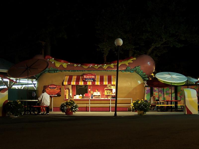 Kayem Diner at night.