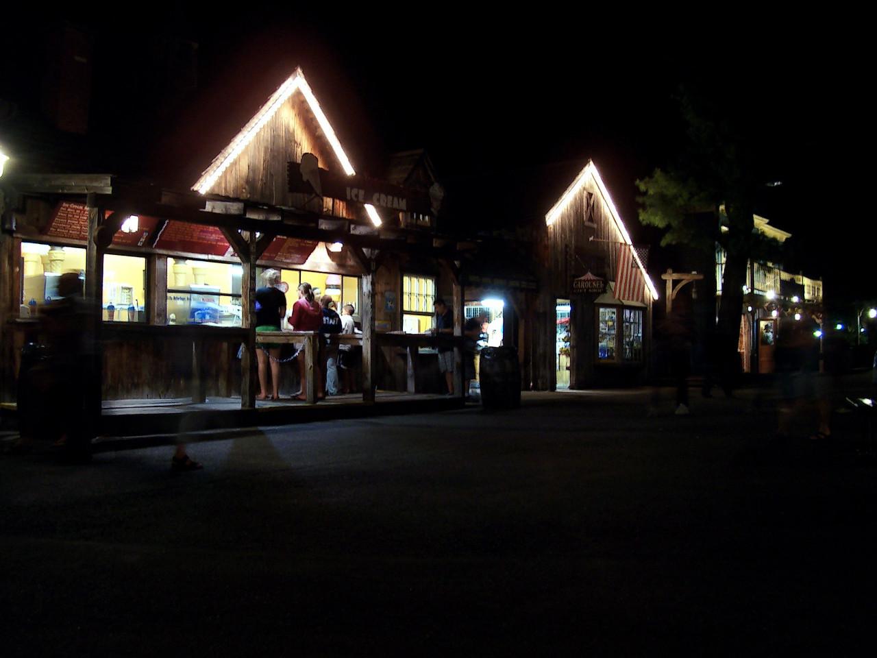 Lumberjack Ice Cream at night.