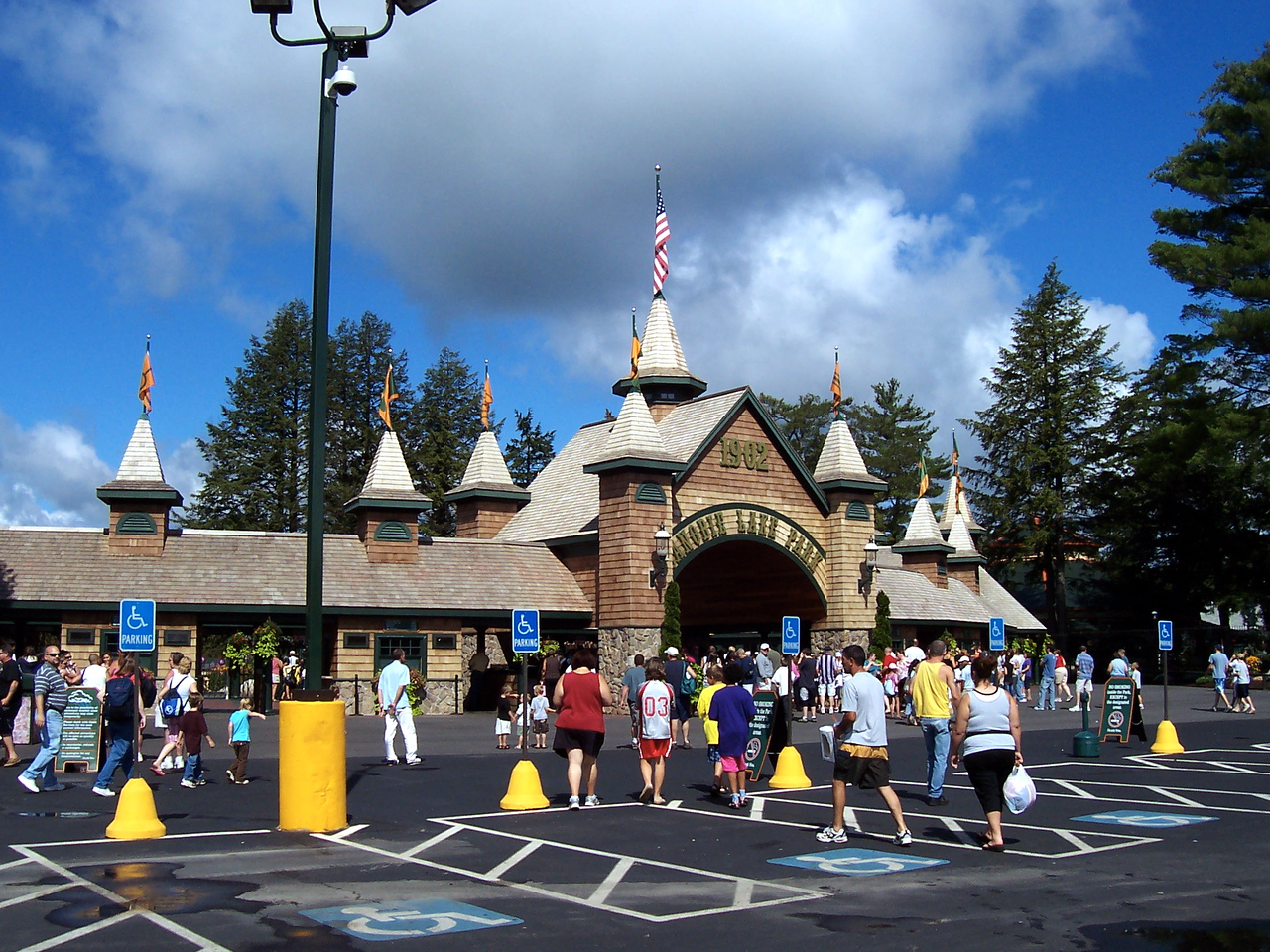 I visited Canobie Lake Park on Saturday, August 9, 2008.