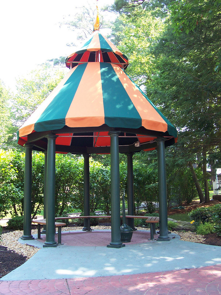 Another smoking gazebo. This one is near Sea/Land Rescue.