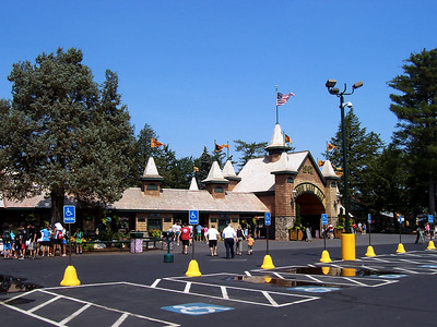 I visited Canobie Lake Park on July 3, 2008.
