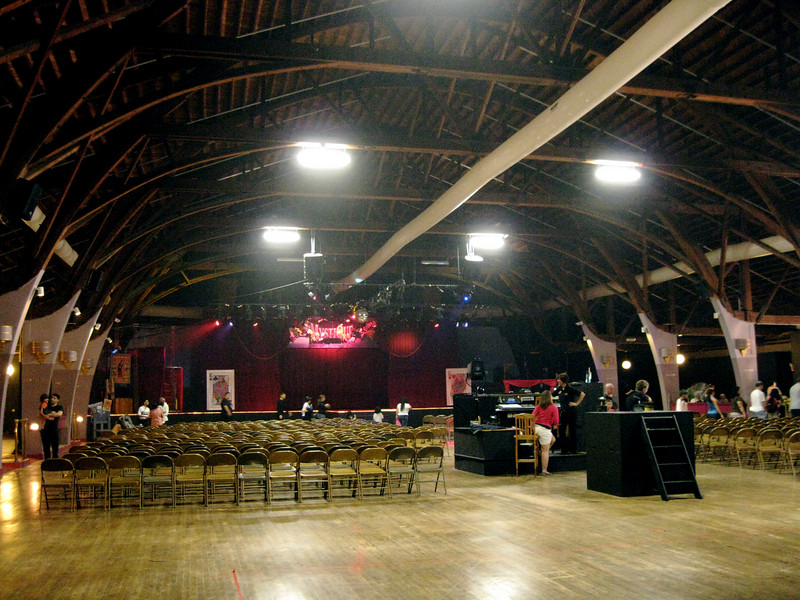 The inside of the Dancehall Theater. Back to using cloudy white balance.
