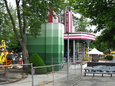 The Midway Stage had new, green paint.
