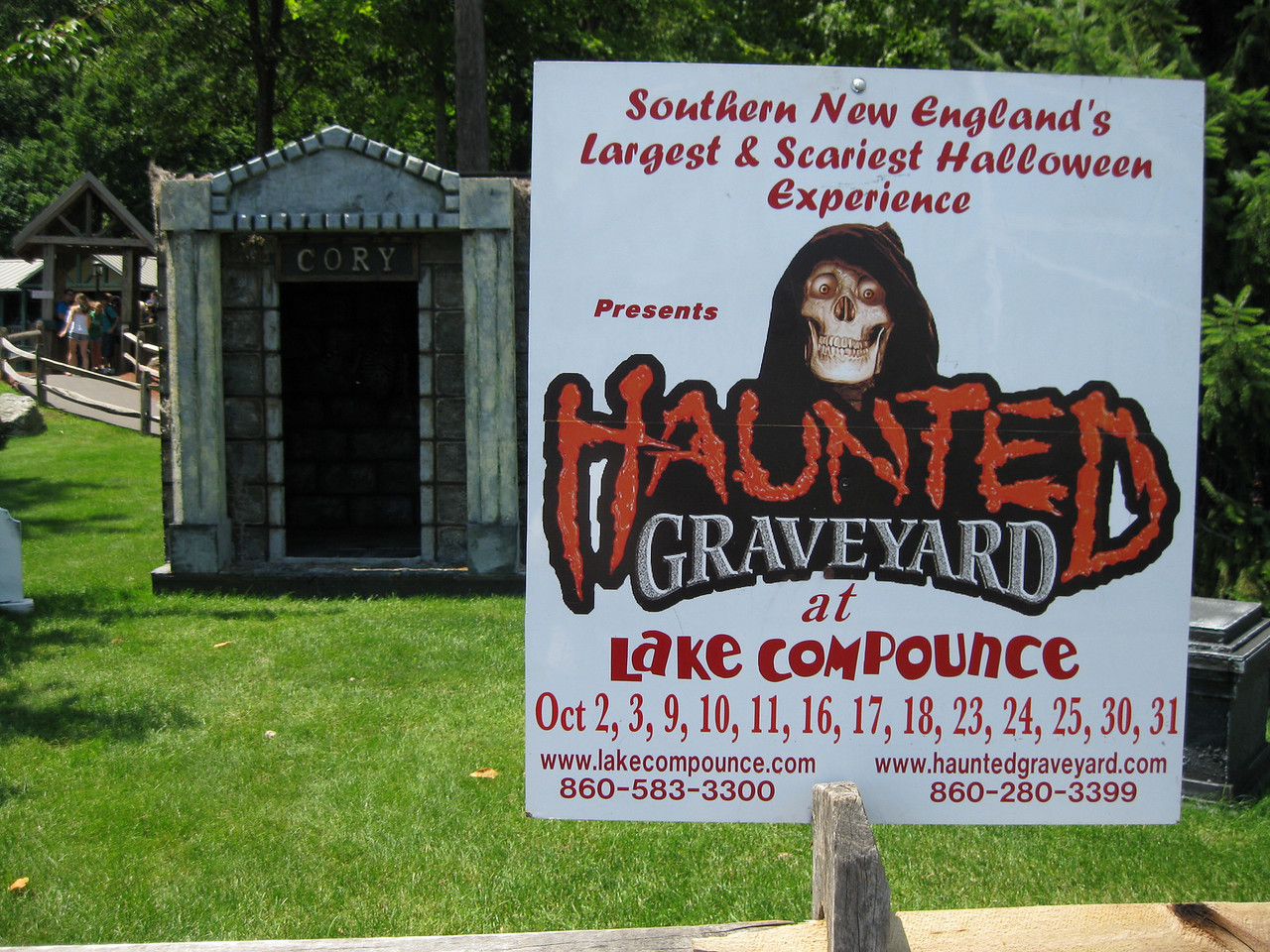 Sign for Haunted Graveyard.
