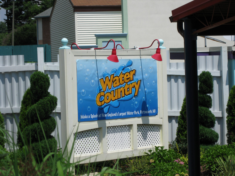 An ad for Water Country was at the Zoomer's Gas n' Go.
