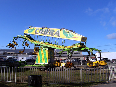 Once again, this Cobra ride was set up but not running.