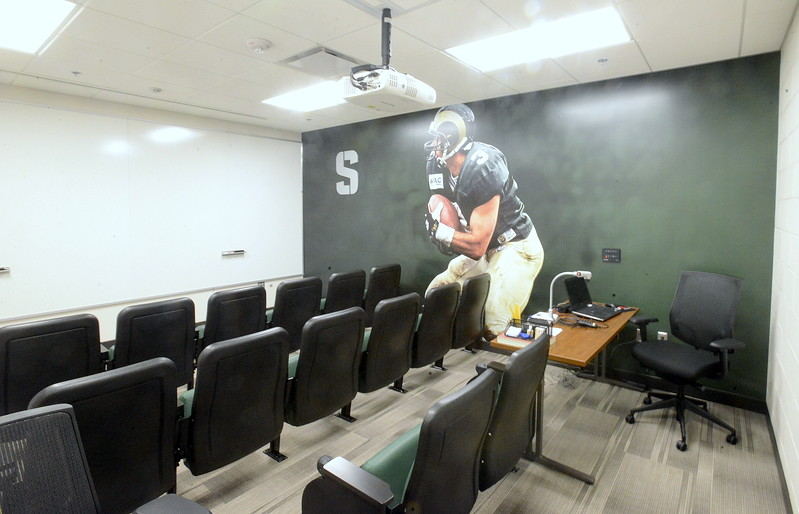 0719_SPO_csu_stadium_position_room