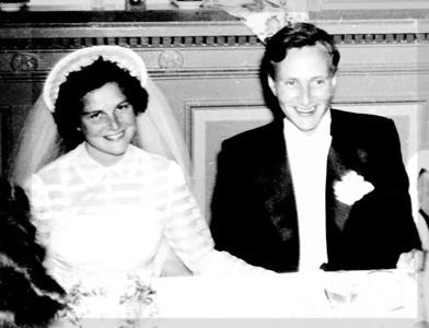 Analoge 0001 011 mors og fars bryllupsdag 1947