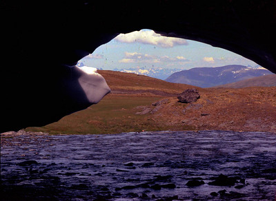 Analoge 0010 1981 laerdal natur ut fra snebre aurlandsfjellet