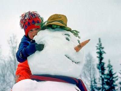 Scanned slide photo from 1977(?) Morten and the Snowman!