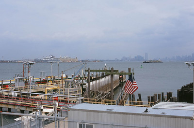 St. GeorgeTerminal | Bay Street - Staten Island Lens: Nikkor 50mm f/1.8 Film: Fujichrome Velvia iso100