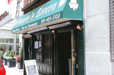 Murphy's Tavern - 6 Stone Street | Manhattan Lens: Nikkor 50mm f/1.8 Film: Fujichrome Velvia iso100