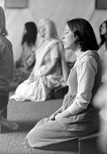 anandi meditating secl ret temple Dscn1241