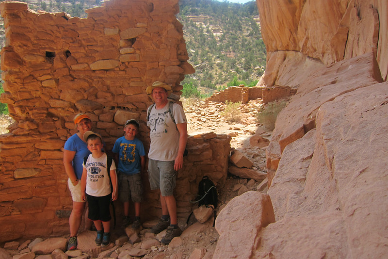 Arch Canyon ruins