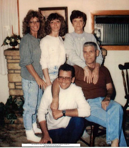 Dorothy Bauman Hendershot and family