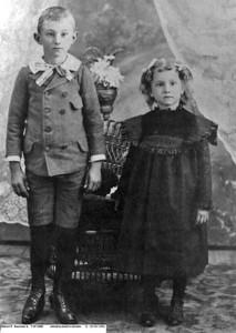 Albert F and Minnie E Bauman