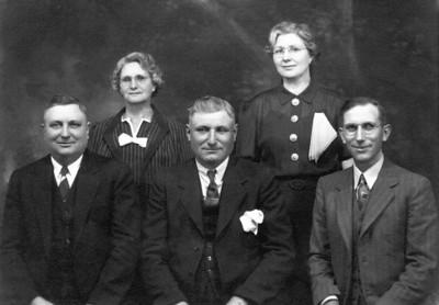 Lille Kipp Siegfried, Mabel Kipp Fitzpatrick, Edward Kipp, Manuel Kipp, Earl Kipp thumbnail