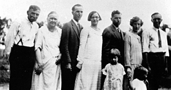 William Emerson Kipp Emily Yonaka  Albert Kipp and Emma with son Charlie and wife Elsie and son Paul