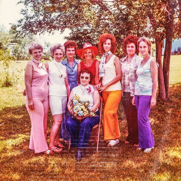 1976 Kipp Family Reunion, Iris, Unice, Colleen, Tobylea, Earlene, Sandy, Patty, Mom-0003-3