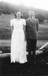 Uncie ( Margaret ) and Wayne (1 of 1)