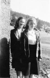 Uncie ( Margaret ) and Iris (1 of 1)