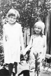 Uncie ( Margaret ) and Iris (1 of 1)-2