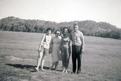 Unice Mom Colleen Hank 2 1965
