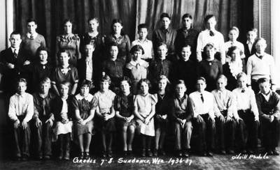 Grades 7 and 8 1936 37   Wayne middle back row (1 of 1)