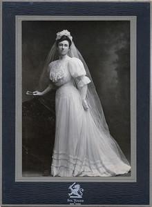 Anna's wedding dress136