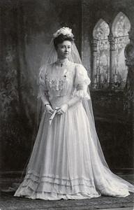 Ada's wedding dress102