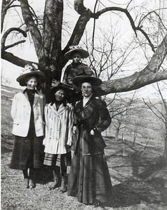 Dorothea Clara W., Nora E. W., Emma W. W., Ellen Viola W. (in tree)