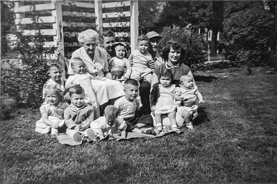 Grandma Grace Schermerhorn, Grandma Walker, Grandpa Walker, Zeta and many grandkids incl me and Billy- 1952