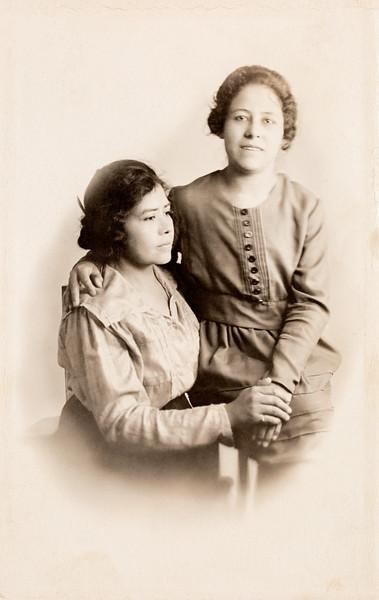 Juanita Espino Salcido and her mother