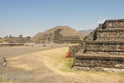 Their are many minor temples and place but the site is dominated by the sun and Moon Pyramids built by the ancient Myan people and later in the 14th century by the Aztecs form the North