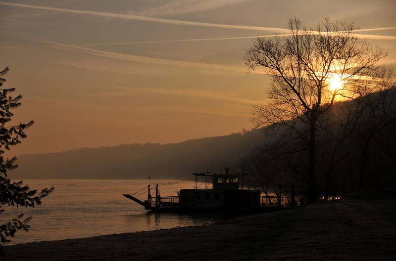 Boone 7 Golden Sunrise