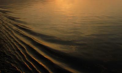 Sunrise Glitter Wake