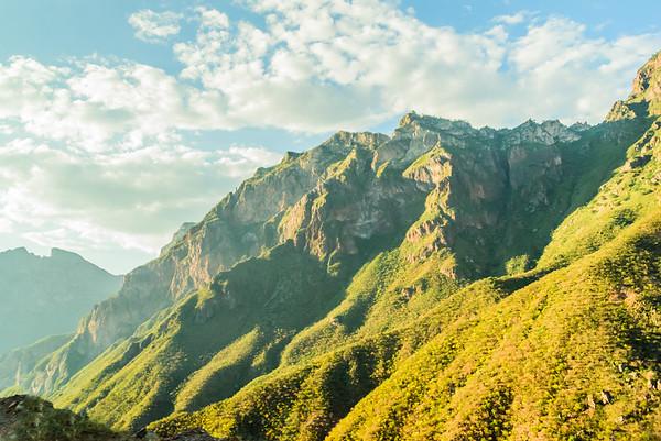 Andiamo-Travel Copper Canyon Vibrance
