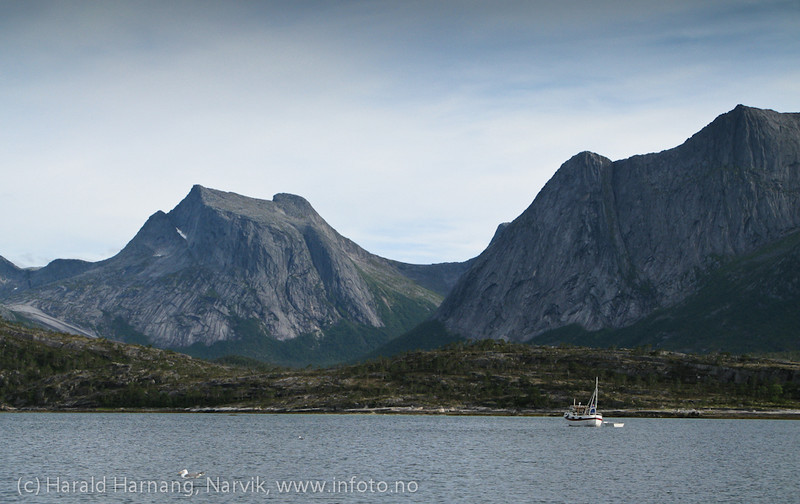 Efjord, Teppkilen med Kuglhornet i bakgrunnen mot venstre