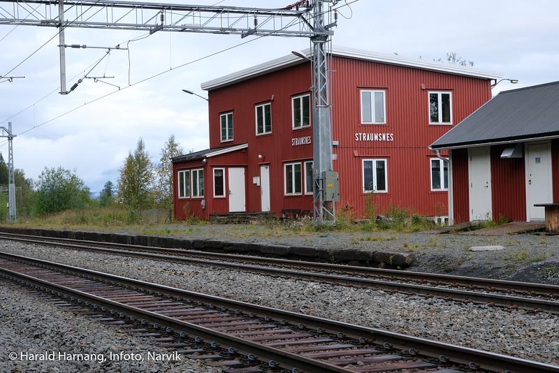 Straumsnes jernbanestasjon