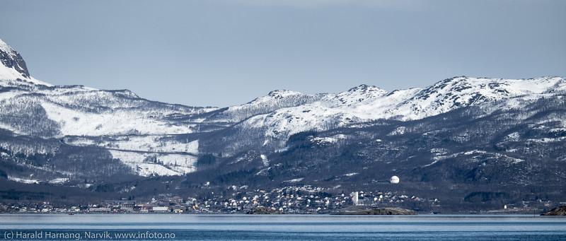 Bjerkvik. Foto fra moloen i Vassvik.