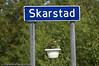 Skilt, rett før tettstedet Skarstad på vei ut fra E6 ved Efjordbruene til Finnvika. Ballangen kommune.