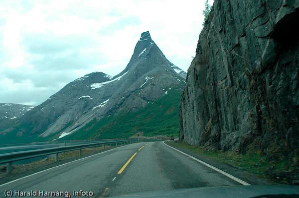 Stetind, norges nasjonalfjell i Tysfjord kommune, Nordland.