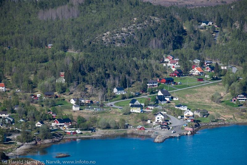 Øyjord, foto fra Tøttadalen, 22. mai 2016