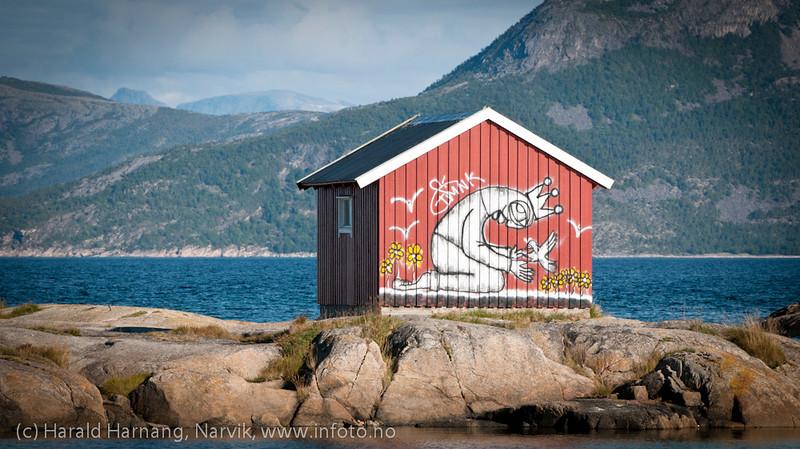 Man finner kunst i mange varianter på Tranøy i Hamarøy kommune, Nordland.