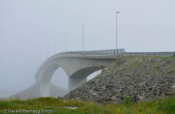 Lofoten sommer 2008. Bru fra Fredvang til E10.