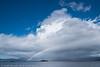 Regnbue over ei lita øy ved Råna i Ballangen. 26. aug 2018