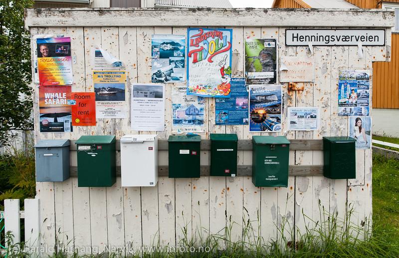 Mange gode tilbud i Henningsvær. Lofoten, juni 2013.
