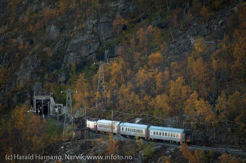 Persontog fra Narvik mot Sverige. I Fagerlia.