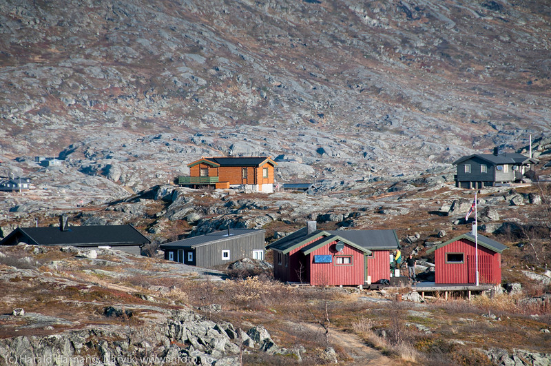 Bjørnfjell, hytte langs veien fra Grusgropa og mot Brudeslørvann. Foto: 5. oktober 2014. Del av bildeserie med hytter  brukt i Fremover  lørdag 20. desember 2014.